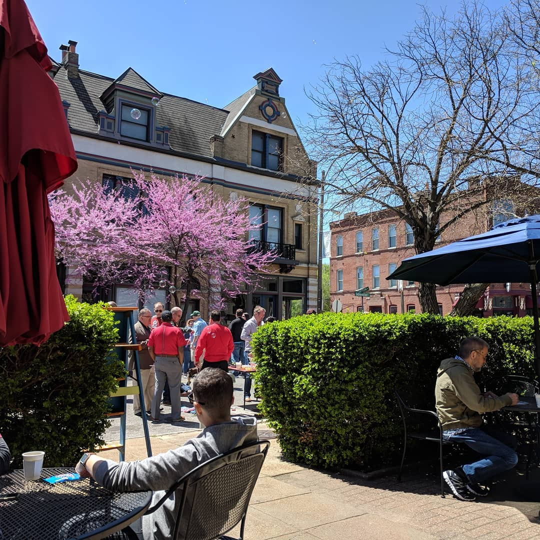 Spring in Compton Heights… And coffee… #citylife #stlouis