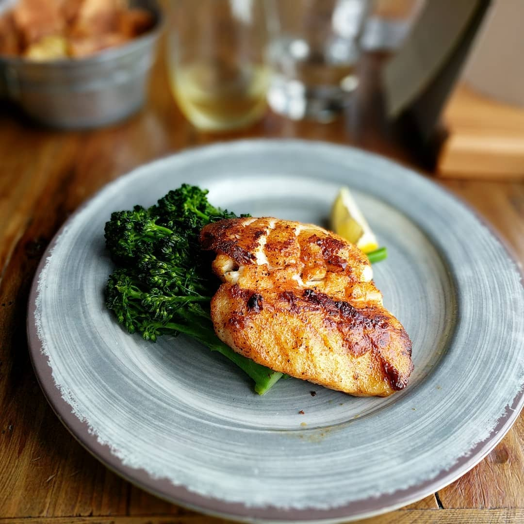 And dinner… Blackened grouper with broccolini. In the background, some salt and vinegar chips… Because I'm British… #foodporn