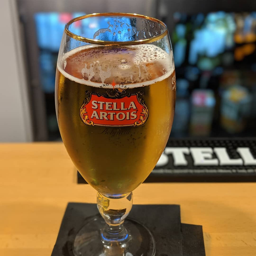 3 hours of delay so far and counting. Oh well, time for a Stella…