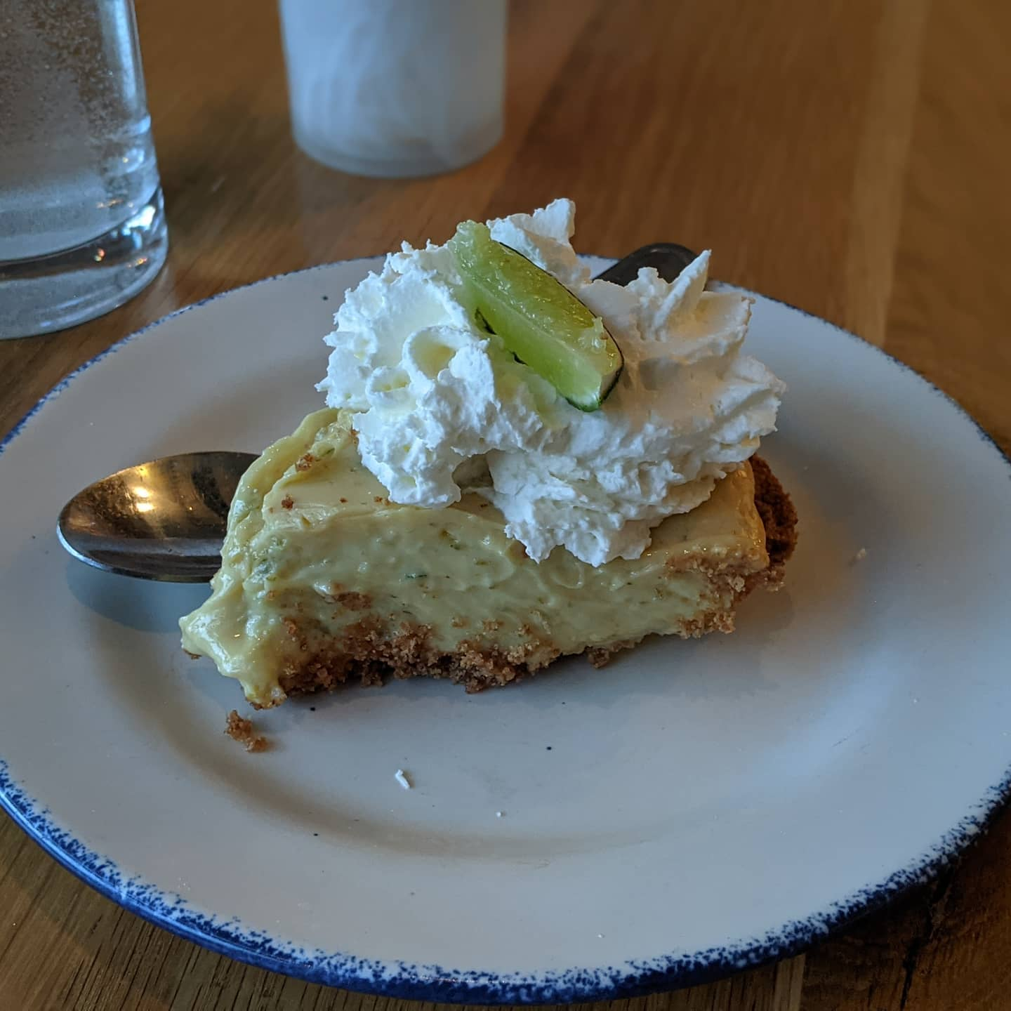 Well, I couldnt resist. Key lime pie. And yes, one of the best I've ever had #lindeyslakehouseflats #cleveland #foodporn