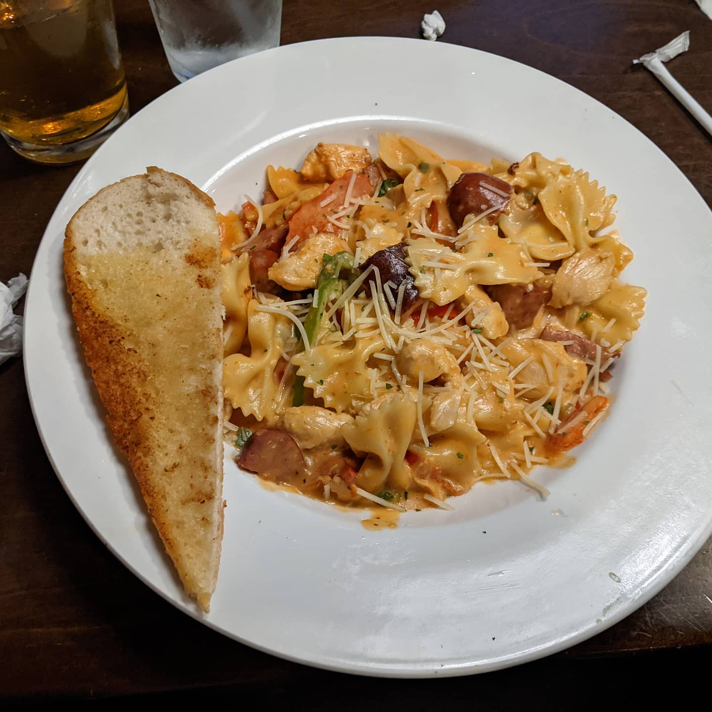 Ok it's from a chain restaurant, but even I have to admit I'm impressed with this Jambalaya Pasta in rural East Texas #foodporn #easttexas