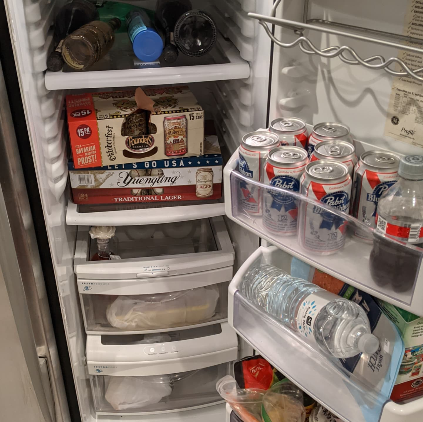 There's a theme emerging in this fridge #detroit #vacation #woodwarddreamcruise