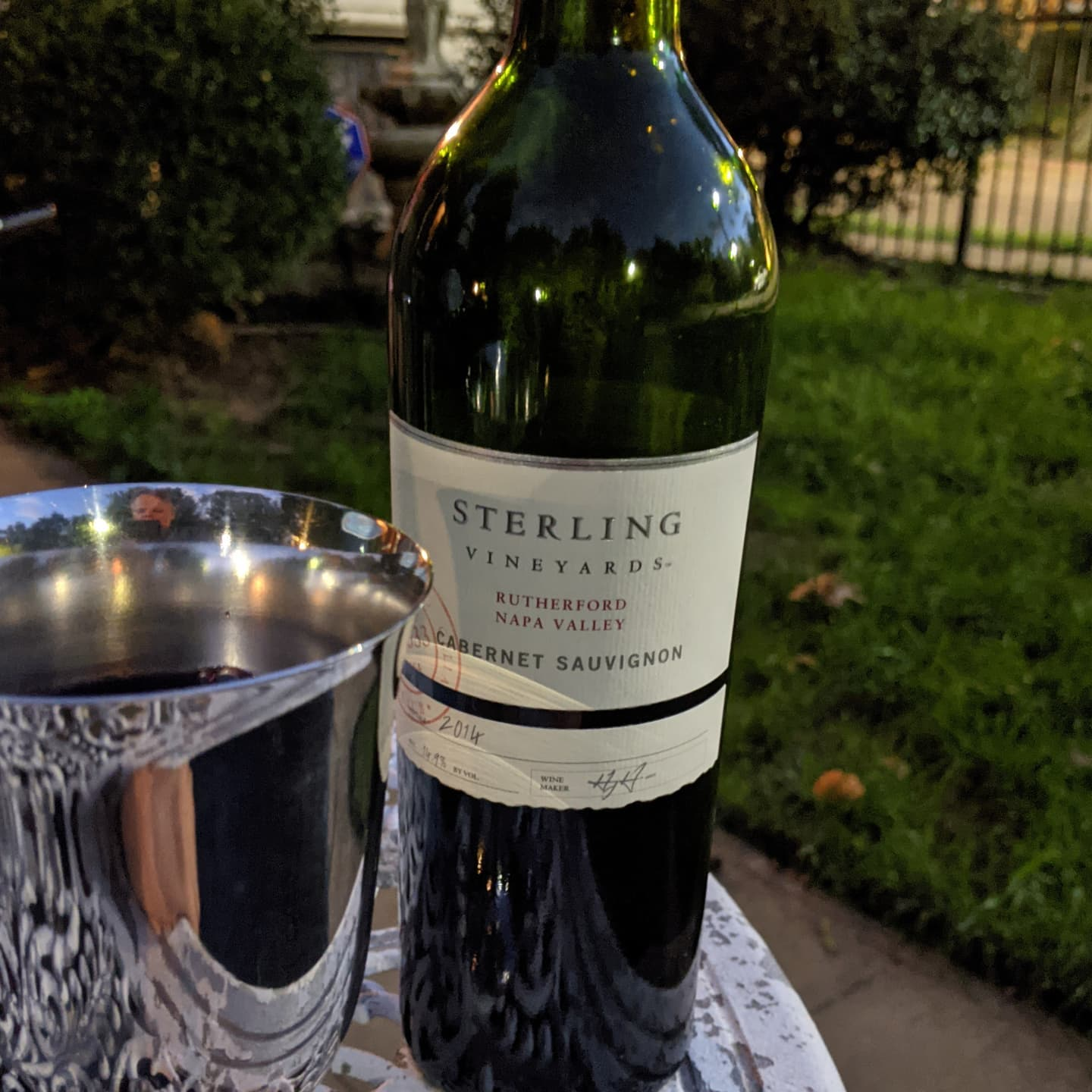 I have to travel again tomorrow, so for tonight it's a 2014 Sterling Rutherford Cabernet outside with the pups playing. #citylife #sterlingvineyards #thegoodlife